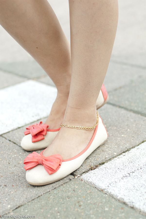 Blogger Lynne Gabriel in Deb Shops Bow Flat Shoes