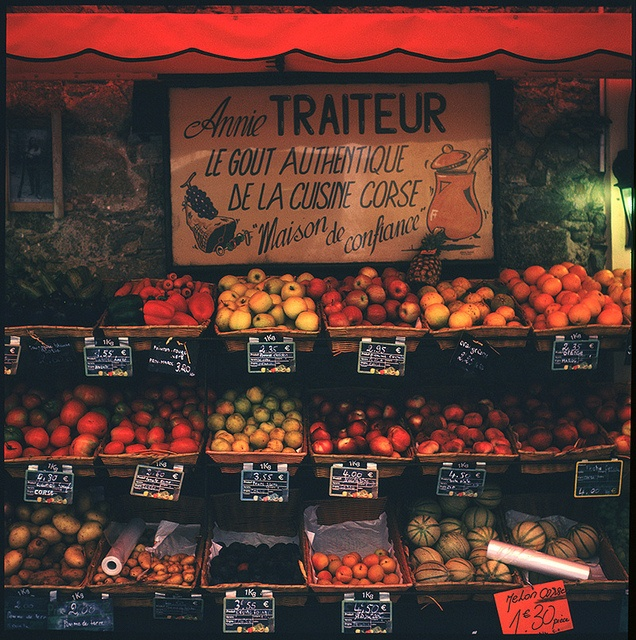 #orange fruit in france...all the fruit stands in Paris and Giverny are so beautiful!