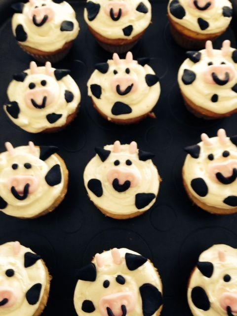 cow cupcakes, farm animal cupcakes