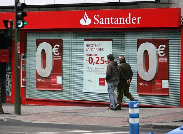 ADICAE cuenta que el Banco Santander pretende cobrar 132 euros al año en comisiones a 4 millones de clientes