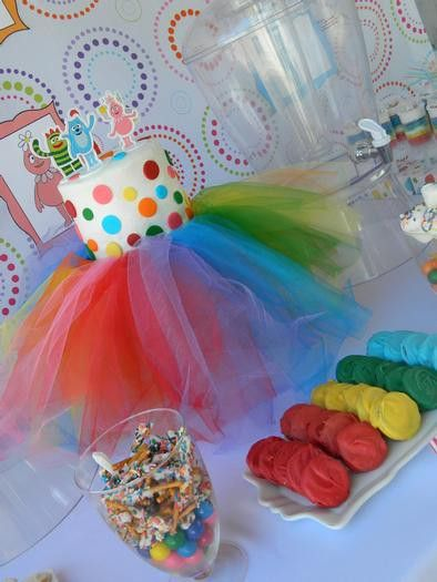 Tulle Cake stand modified for rainbow party with yo gabba gabba:) cute!