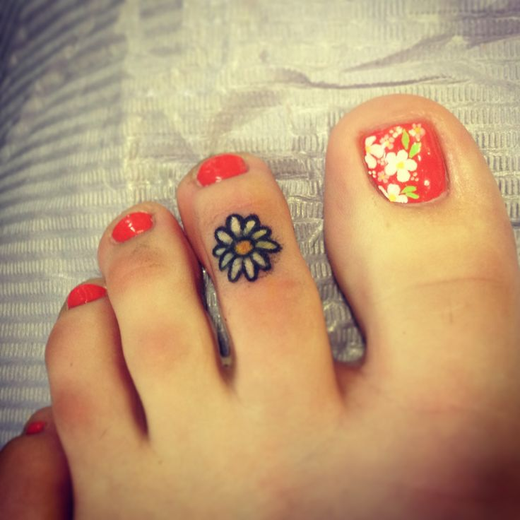 """There's a daisy on my toe, it is not real, it does not grow. It's just a tattoo of a flower so I look good taking a shower. It's on the second toe of my left foot. A stemless flower, it has no root, because that wouldn't look good! There's a daisy on my toe, my right foot loves my left foot so!"" Aw Girl Scout camp memories ❤"