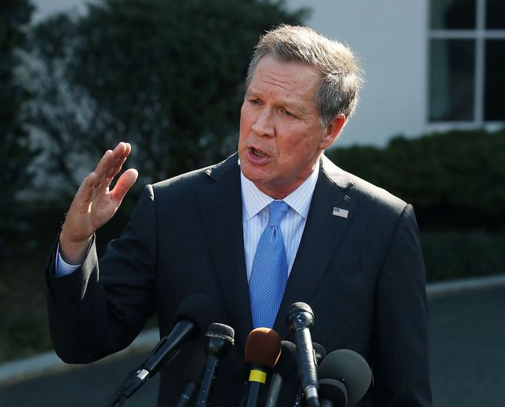 """The Republican Party needs to """"wake up"""" and consider """"common sense gun laws"""" in response to the latest mass shooting in Florida,Ohio'sRepublican GovernorJohn Kasich said Sunday.  Ohio Governor John Kasich (R-OH), speaks to reporters after a closed meeting with U.S. President Donald Trump, on February"""
