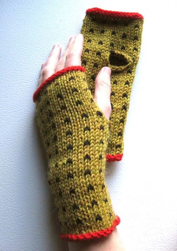 Mustard and Black Pepper Polka Dot Wrist Warmers by extase on Etsy. I <3 lice.