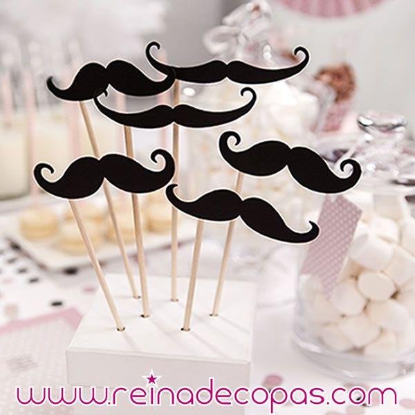 Mostachos para decorar o para hacer fotos divertidas. http://www.reinadecopas.com/es/photocall/360-bigotes-mostachos-photocall.html