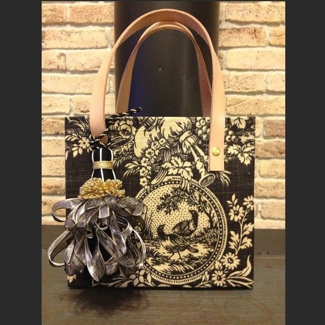 #cartonnage #ribbon #bag #black #tassel