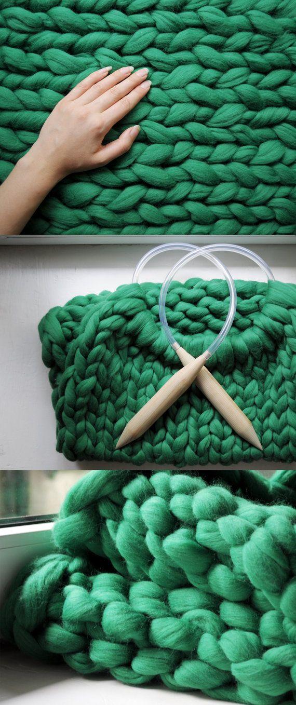 """DIY kit. Blanket 25""""x30""""  (65x75 cm) 2 inch stitch. Giant knit. 23 microns merino wool."""