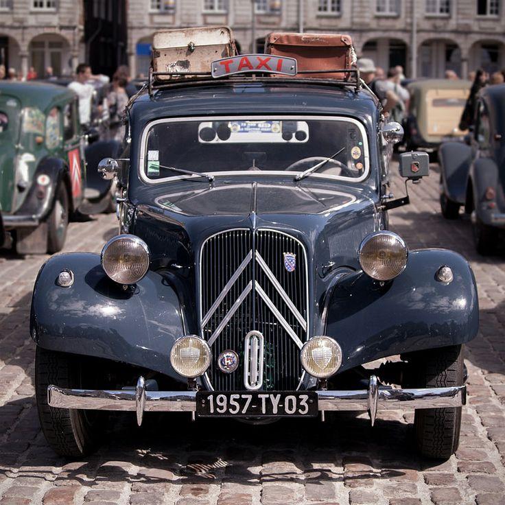 #Citroën #Traction à #Arras, France - www.gdecooman.fr - Photo by Guilhem DE COMAAN . http://www.gdecooman.fr/ https://www.flickr.com/photos/paslematin/ http://www.pinterest.com/gdcfr/
