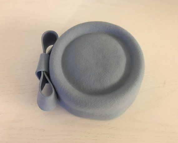 blue pillbox hat/ pink felt hat/ blue dress hat for the winter/ Audrey hat/ form… – Products