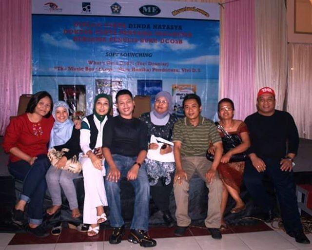 Dulu belum mau jadi penulis buku, hanya ingin jadi pembaca dan berkumpul para penulis buku puisi/cerpen/novel/skenario/synopsis.  Kalau ditahun di tahun 2017 baru Bismillah mau jadi penulis buku, tapi masih belajar juga dan kerjasama penerbit yang ingin membimbing saya.  Insya Allah lancar dan mohon dukungannya ya guys... #like4like #followforfollow #selebgram #hollywood #celebrity #photography #curahanhati #lidrareza #america #indonesia #actor #model #photoshoot #promote…