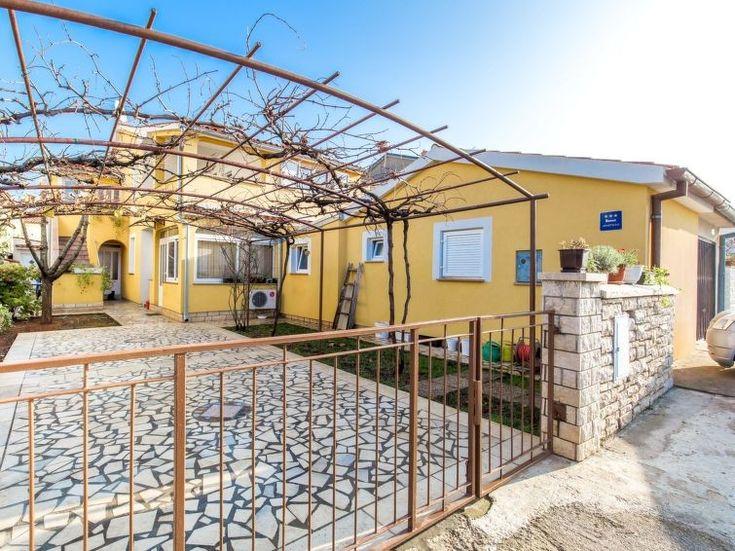 Ferienwohnung MILENA für 3 Personen  Details zur #Unterkunft unter https://www.fewoanzeigen24.com/kroatien/istarska/52212-fazana/ferienwohnung-mieten/55644:1792784410:0:mr2.html  #Holiday #Fewoportal #Urlaub #Reisen #Fazana #Ferienwohnung #Kroatien