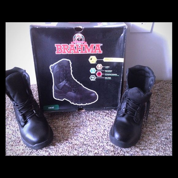 Brahma swat boots Only worn twice for a Halloween costume, scratch on the one boot Shoes
