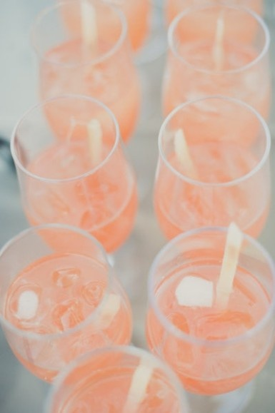 peach drinks for a beautiful spring wedding