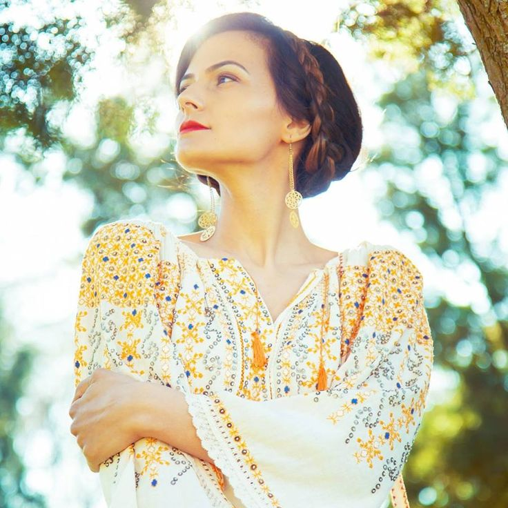 Vintage traditional Romanian blouse (IIE) Alexandra Negrila Collection, Ileana Radulescu Photography OLT