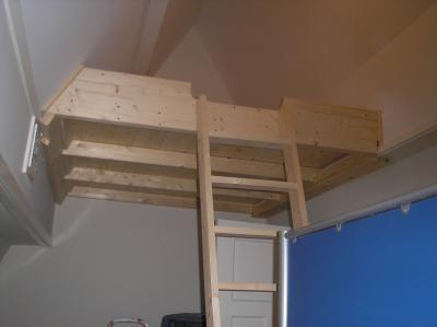 Meer dan 1000 idee n over kamers voor kleine jongens op pinterest jongenskamers jongenskamers - Mezzanine jongen ...