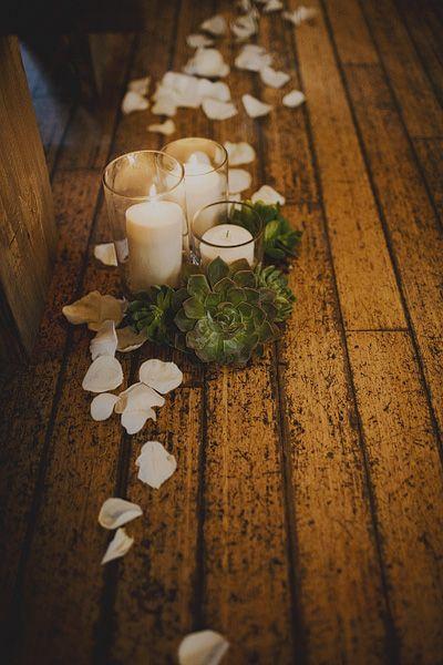ceremony aisle decor, photo by Sloan Photographers http://ruffledblog.com/glam-carondelet-house-wedding #ceremony #wedding