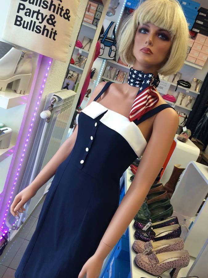 Miss Sailor - sukienka retro. Dostępna w butiku na Chmielnej 9.