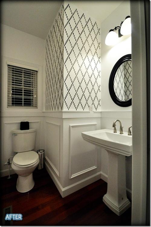 cute: Decor, Black And White, Half Bath, Bathroom Wall, Bathroom Ideas, White Bathroom, Powderroom, Powder Rooms, Accent Wall