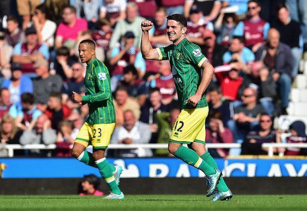Robbie Brady Photos - West Ham United v Norwich City - Premier League - Zimbio