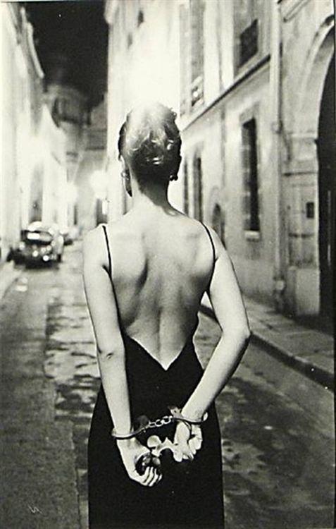 Chloè, Paris, 1972. Photographed by Helmut Newton.
