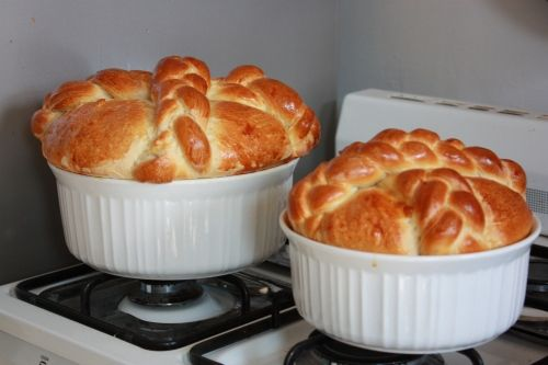 Paska...an Easter Bread. slightly sweet.  I wanna try this sometime.