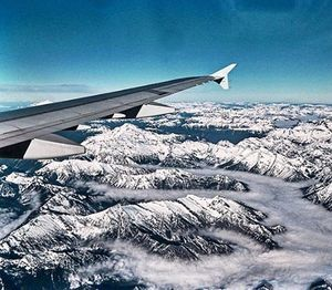 A321 over the Cascade Mountains WA #pacificnorthwest #seattle #whidbeyisland #oakharbor #vacation #snowcovered #airbuslovers #adventure
