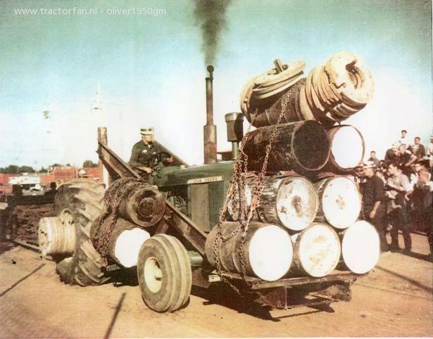 John Deere 5020 van oliver1950gm Druk bezig met tractorpulling..