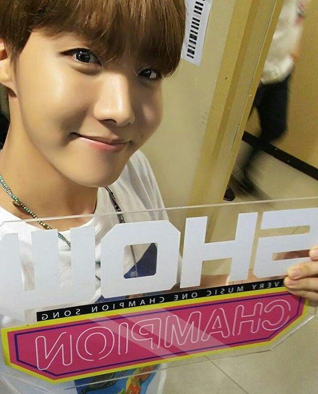 Show Champion BTS J HOPE +15 for new member.