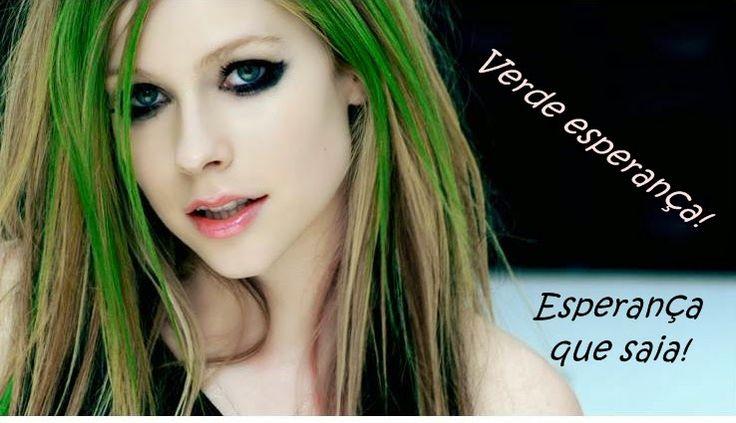 Como tirar cores indesejáveis de um cabelo loiro? Roxo, verde, cinza e azul