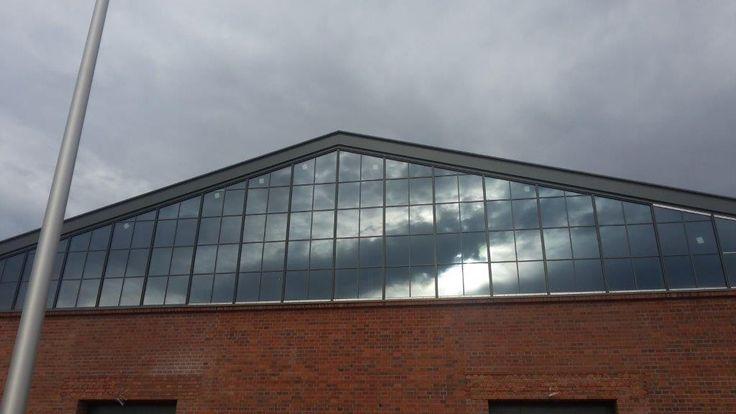 Przebudowa Zajezdni / fasady, okna, drzwi aluminiowe i stalowe/ sesko.pl