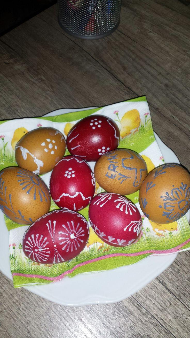 Velikonoční vajíčka, kraslice, vosková technika (po prví krát to celkom ujde :-) )