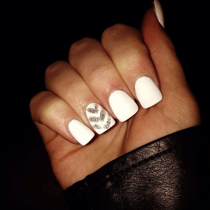 White acrylic nails with sparkle chevron | {beauty ...