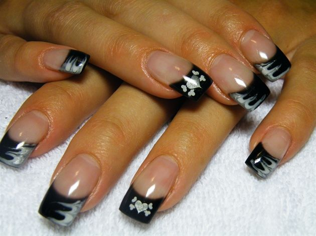 14 best motorcycle nail art images on pinterest hairdos - Nail art chic ...