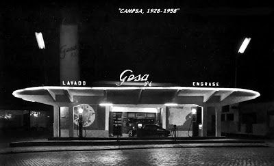 Gasolinera de Gesa en 1958, donde todavía continua en la calle Alberto Aguilera de Madrid.