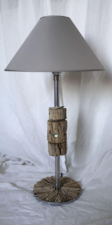 Lampe en métal avec grandes cercles en bois flotté, perles de verre, anneaux en…