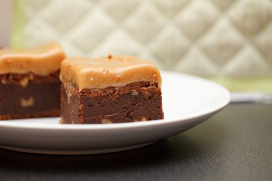 brownie med karamell