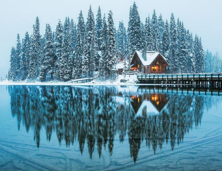 Emerald Lake is always inspiring a sense of wanderlust amongst locals and tourists alike. It's also even more magical in Winter.