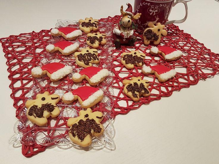 Biscotti di frolla natalizi piatto