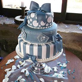 Super cute...Denim and Diamonds - Cake