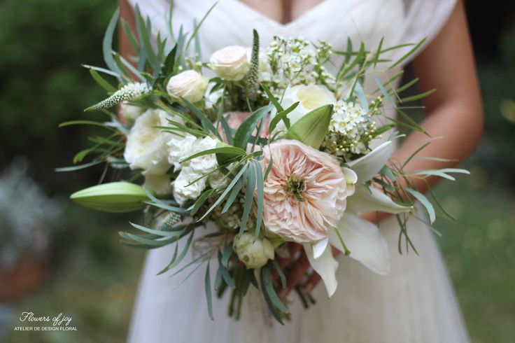 The Charity David Austin rose was the star of this gorgeous bouquet!