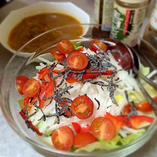 3日目はスープ+野菜+果物の日。 - 1件のもぐもぐ - デトックススープ+大根サラダ by golvee