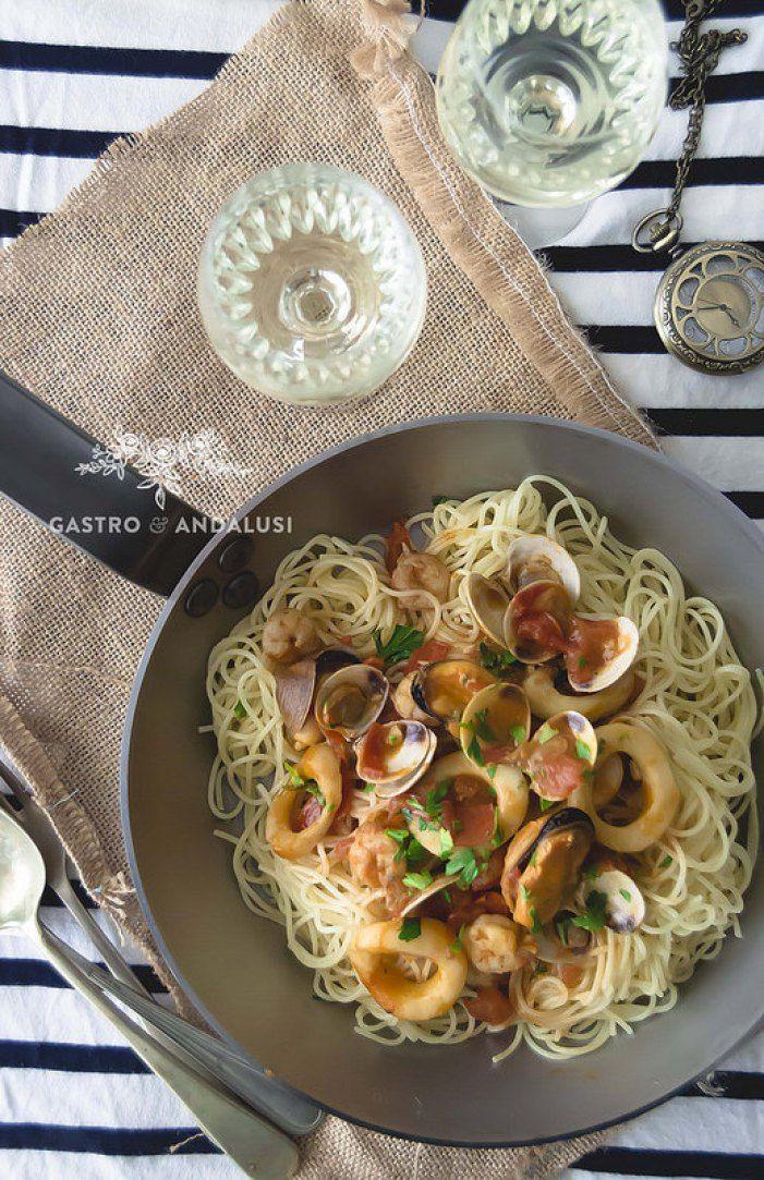 Spaghetti ai frutti di mare (Espaguetis con Marisco)
