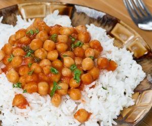 Cizrnová omáčka s rýží