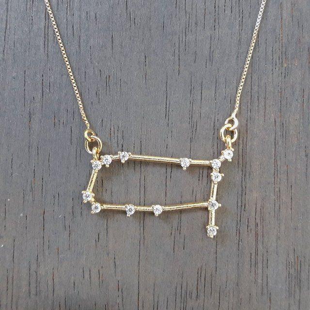 Colar Constelação Gêmeos semi-jóia com banho de ródio branco, ródio negro, ouro…
