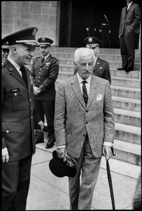 © Henri Cartier-Bresson/Magnum Photos //  West Point, NY. A few months before his death, the US writer William FAULKNER was invited at the West Point  Military Academy. 1962.