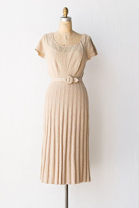 1000  ideas about 40s Dress on Pinterest  40s style Hourglass ...