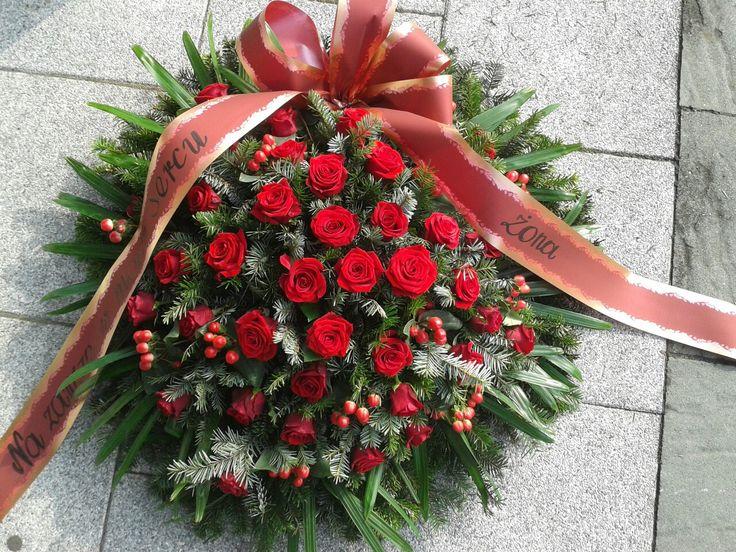 Pin By Kami On Wieniec Pogrzebowy Holiday Decor Christmas Wreaths Wreaths