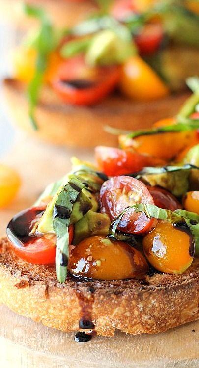 Avocado Bruschetta with Balsamic Reduction