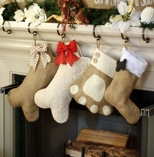 With these pet Christmas stockings you don't have to leave the family pets out of the holiday fun.#pets #Christmas