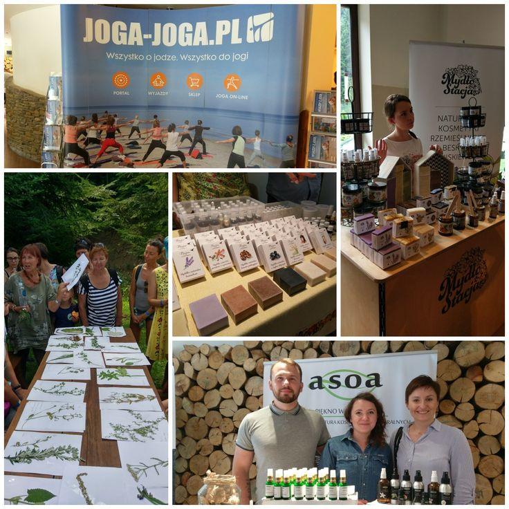 Joga Festiwal. V Górski Maraton Jogi w pełni. Dzieje się wiele: warsztaty tematyczne, zajęcia jogi, koncerty, spotkania z wystawcami m.in. kosmetyków naturalnych, a w wolnej chwili (o ile taką można znaleźć) relaks w strefie Wellness: odprężające masaże, odpoczynek w jacuzzi, bądź w saunie. Czego chceć więcej?  #jogafestiwal #wierchomlaskiresort #dwiedoliny #njaknatura #maraton #magicmoments #blog #naturalcosmetics